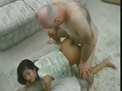 Vietnam tini az öregember.
