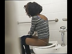 Vékony fekete segged - cam rejtett WC