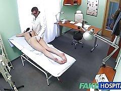 Fakehospital szexi beteg szereti mögül vele új